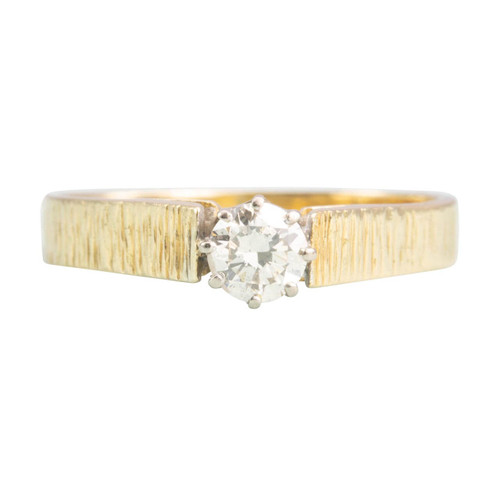 Second Hand 18ct Gold 70's Style Diamond Solitaire Engagement Ring