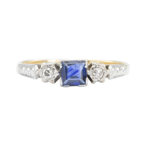 Vintage 18ct Gold Square Sapphire & Diamond 3 Stone Ring