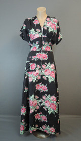Vintage 1940s Black Floral Robe Dressing Gown, fits 35 inch bust, Cotton Plisse Zip Front