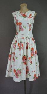 Vintage Floral Dress 1950s, 33 bust, Fitted Bodice, Dropped Full Skirt