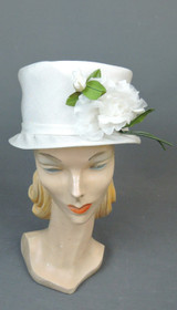Vintage White Floral Hat 1960s Summer fits 22 inch head