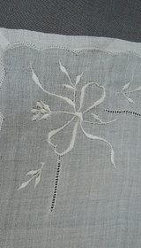 Vintage Wedding Hankie White Embroidered Bows unused, 13 inches 1950s