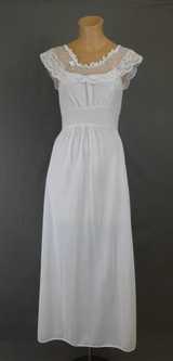 Vintage White Nylon Nightgown, small 31 inch bust, 1960s Miss Florence
