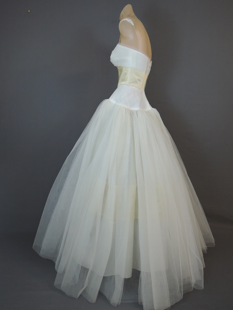 Vintage 1950s Strapless Dress Wedding Gown 34 bust, Philip Hulitar