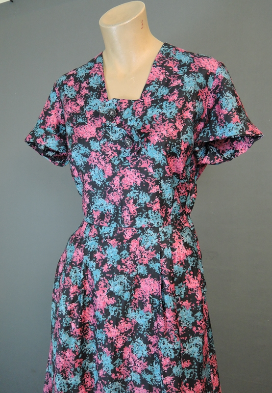 Vintage 1950s Dress fits 36 inch bust, Day Dress Black Pink Turquoise Floral Cotton