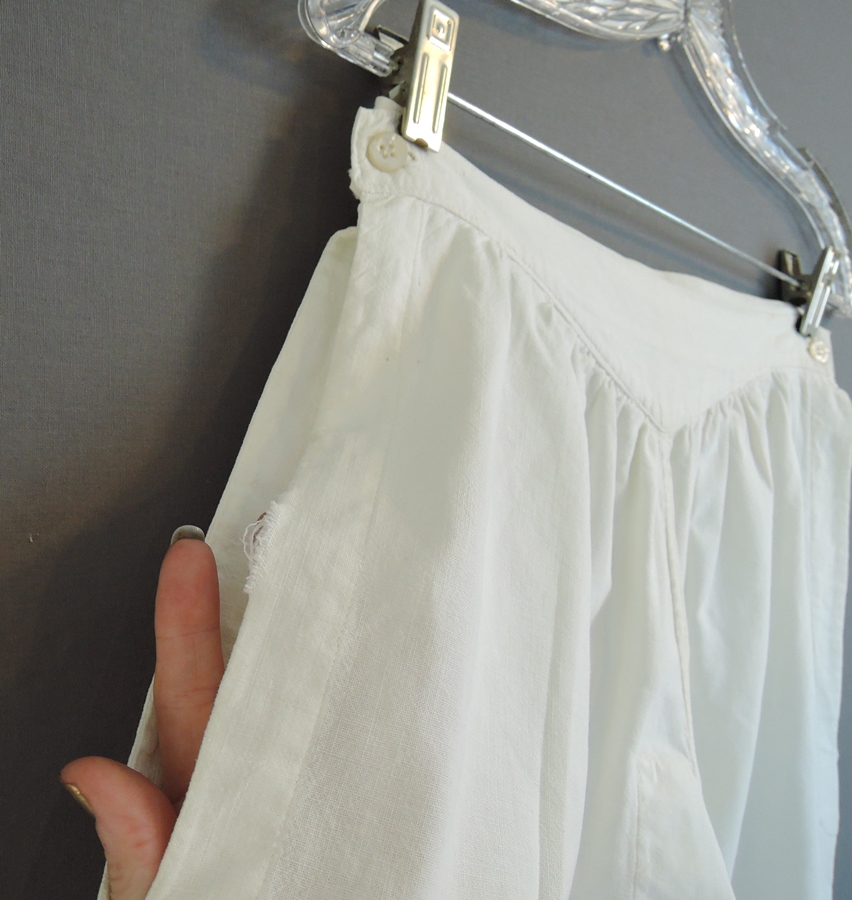 Vintage White Cotton Bloomers 26-1/2 inch waist, Side Buttons Edwardian 1900s