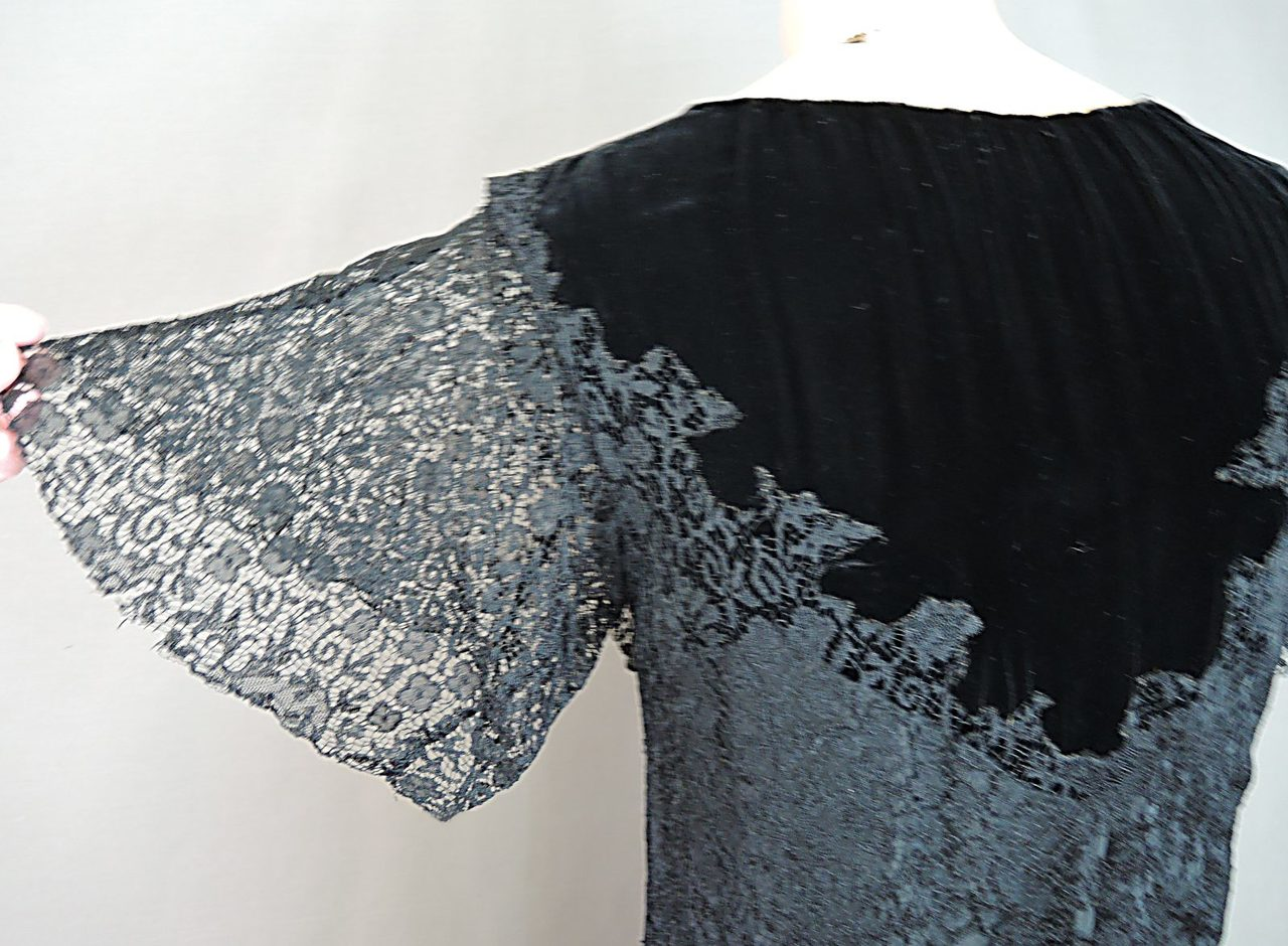 Vintage 1920s Black Lace Dress with velvet Trim, fits 32 inch bust, with issues