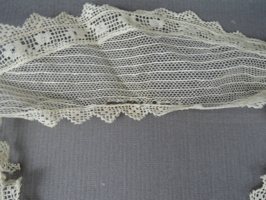 Vintage Lace Neckline Collar & Antique Lace Dress Trim, Edwardian 1900s