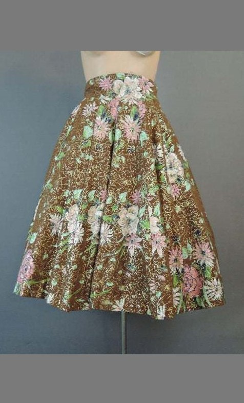 Vintage 1950s Floral Full Skirt with Gold, wide 25-1/2 inch waist, 12 gore
