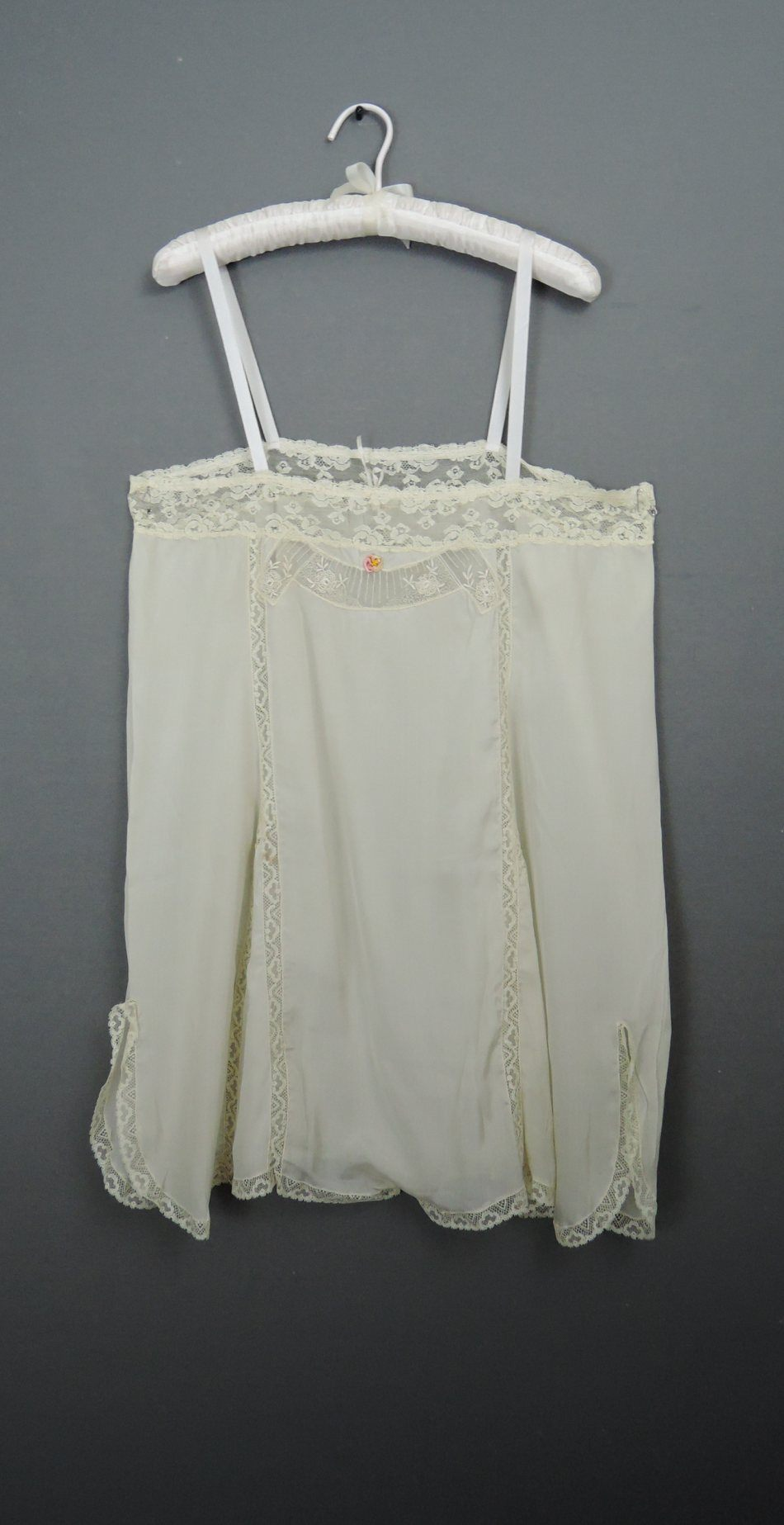 Vintage 1920s Ivory Silk Teddy, fits 36 inch bust, Lace & Rosettes, Step in Chemise