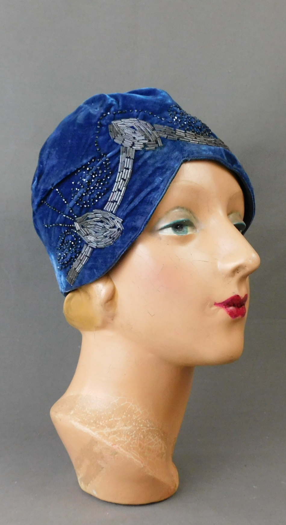 Vintage 1920s Blue Velvet Cloche Hat, Beaded, 21 inch head, some issues