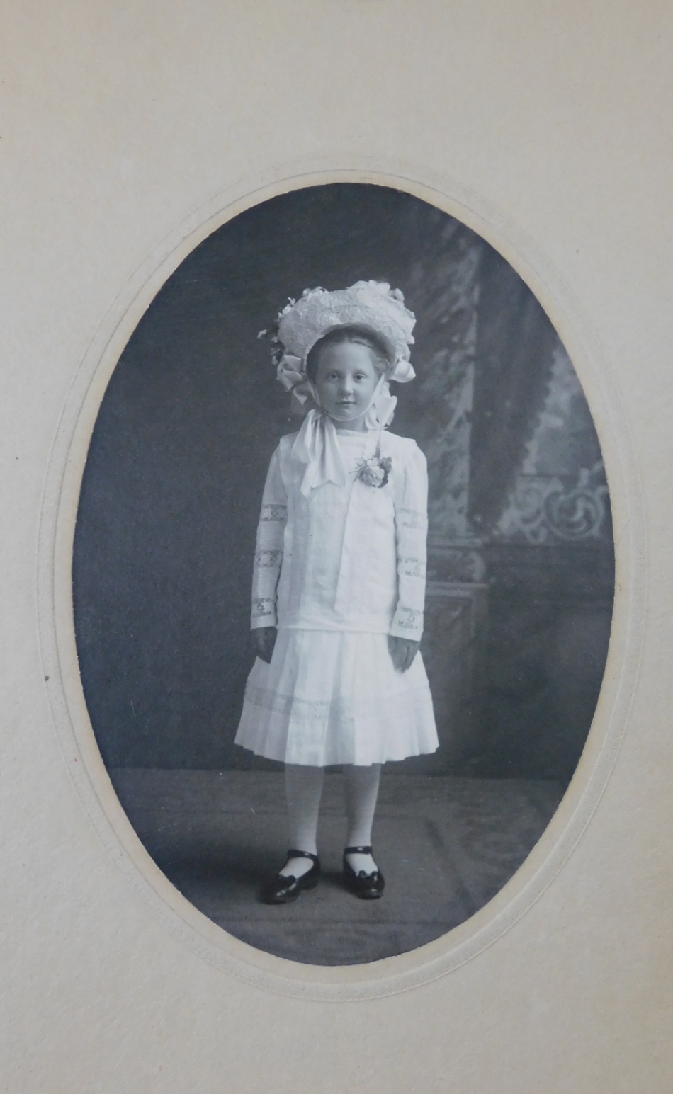 Vintage Edwardian Girl Photo Cabinet Card, 1900s Photograph White Dress and Large Hat