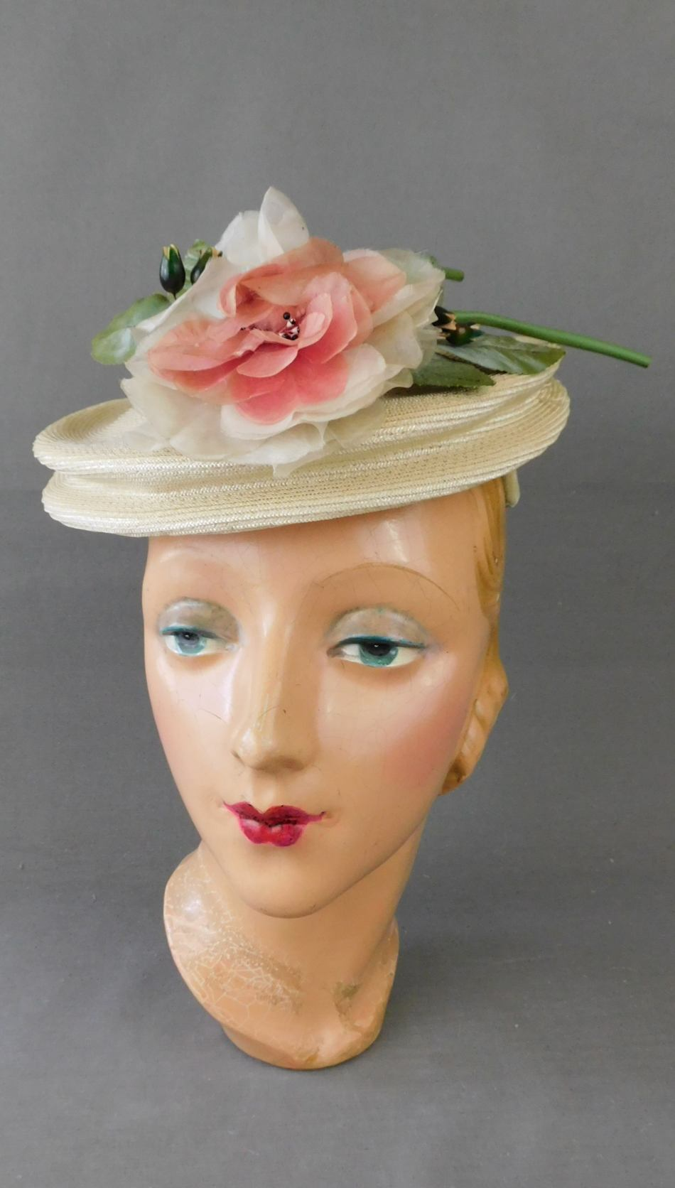 Vintage 1940s Ivory Floral Topper Hat, Straw with Peach Flower