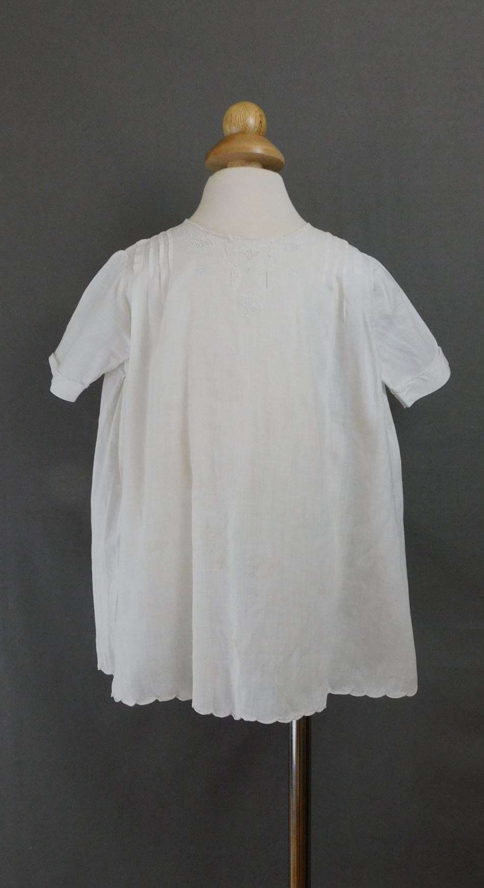 Vintage White Cotton Little Girl Dress 1940s, 24 inch chest, Hand sewn, some issues