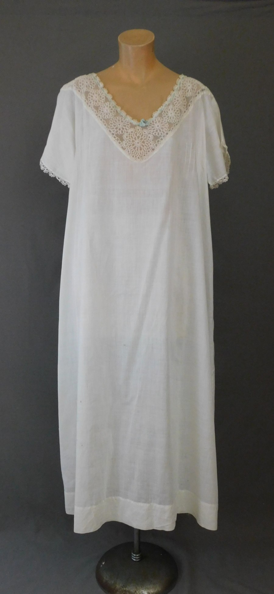 Vintage Edwardian Nightgown, 1900s White Cotton with Lace, fits 44 inch bust