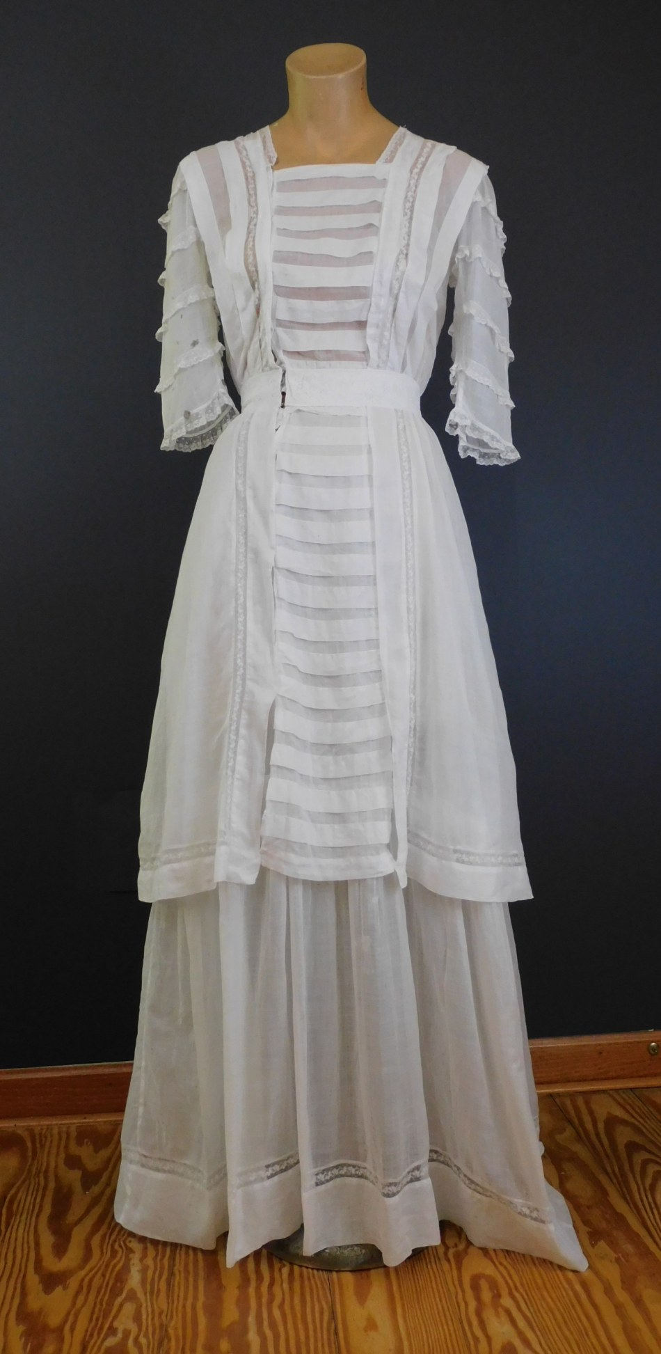 Vintage Edwardian White Cotton Dress, 2 layer skirt, fits 34 inch bust, with issues