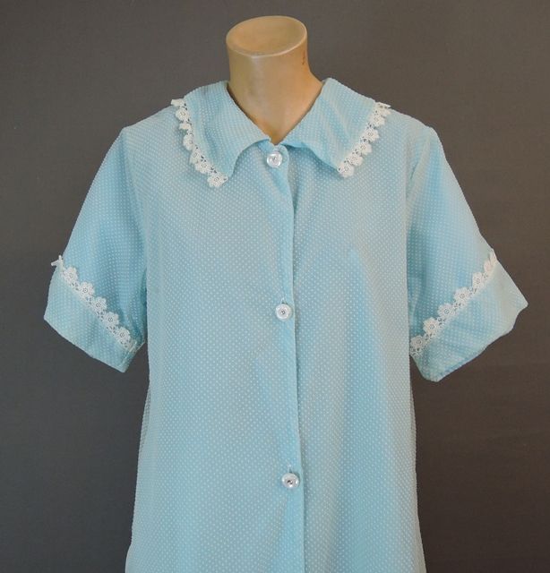 Vintage 1960s Blue Dotted Swiss Robe, Housecoat, 38 bust