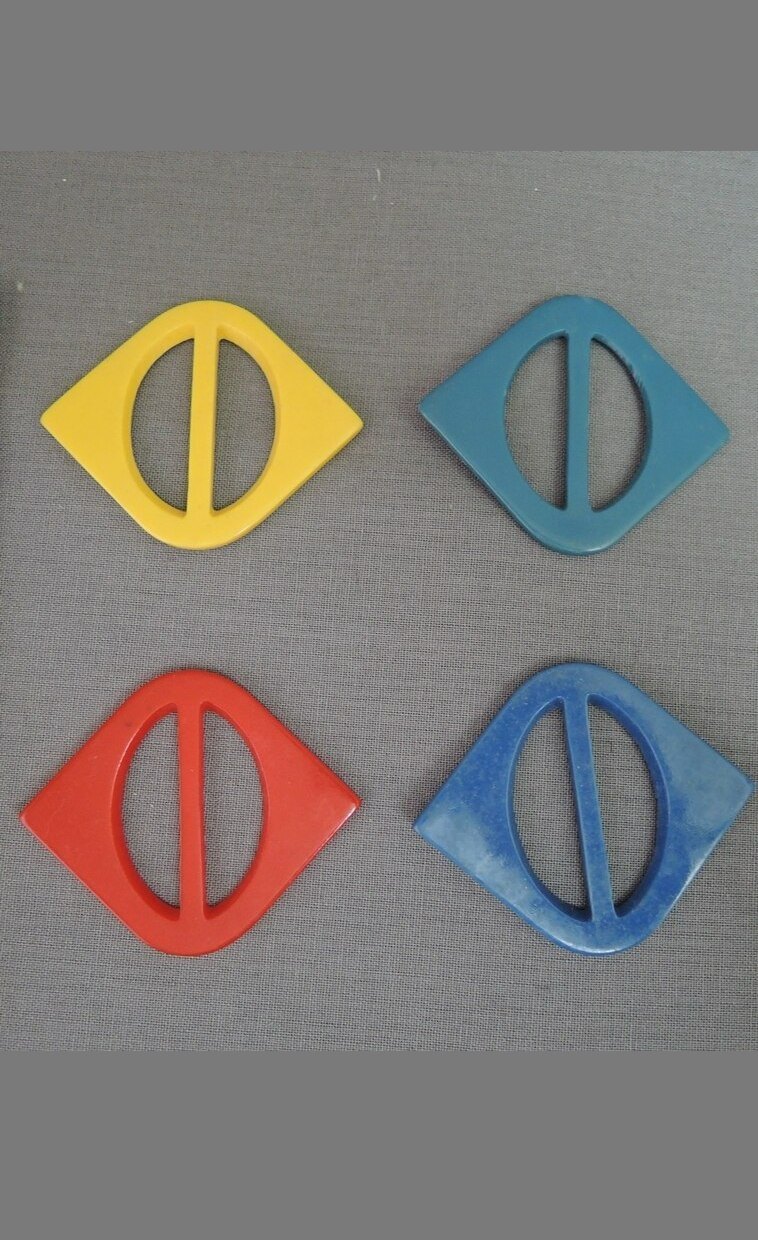 Lot of 4 Vintage Plastic Dress Buckles, Red, Blue Yellow, 1940s 1950s
