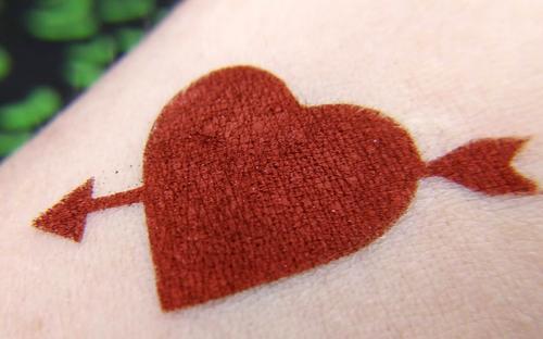Heart Full of Napalm - rusty red-orange eyeshadow