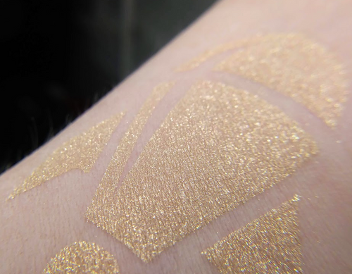 The Amber of the Moment - amber gold eyeshadow