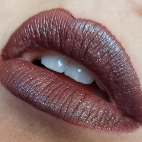 Apathy liquid lipstick
