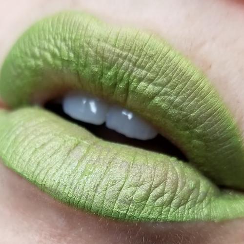 Deadite green liquid lipstick (LE)