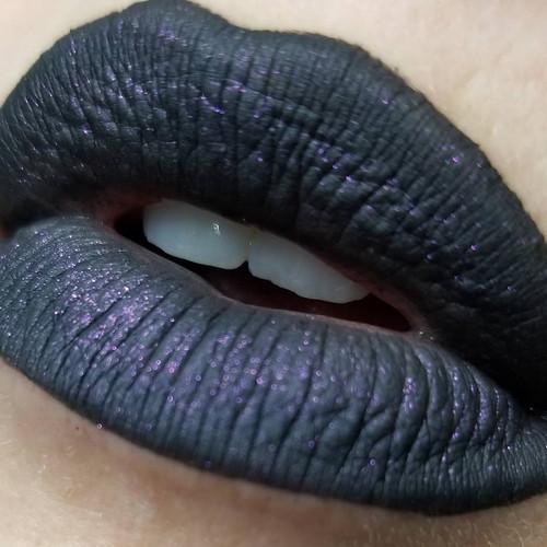 Hecate liquid lipstick (LE)
