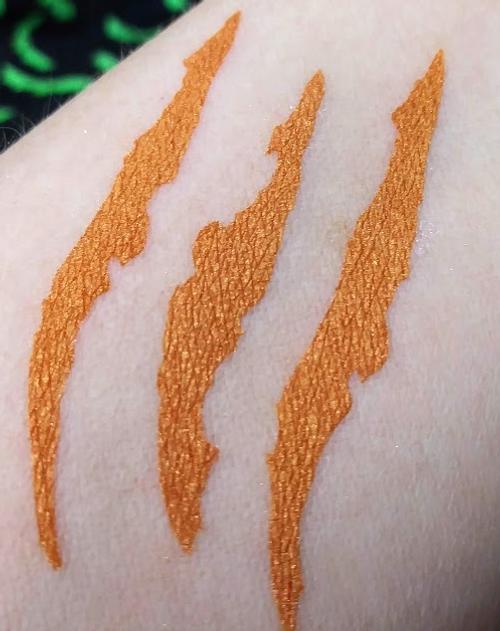 Tiger's Tail - rich metallic orange eyeshadow