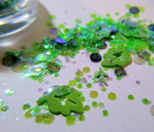 Spring Green (LE) -  kawaii leaf glitter blend