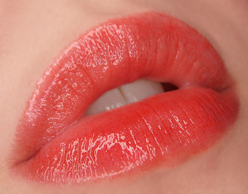 Scarlet (LE) red lip gloss