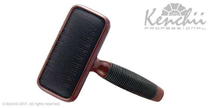 Kenchii medium slicker brush.
