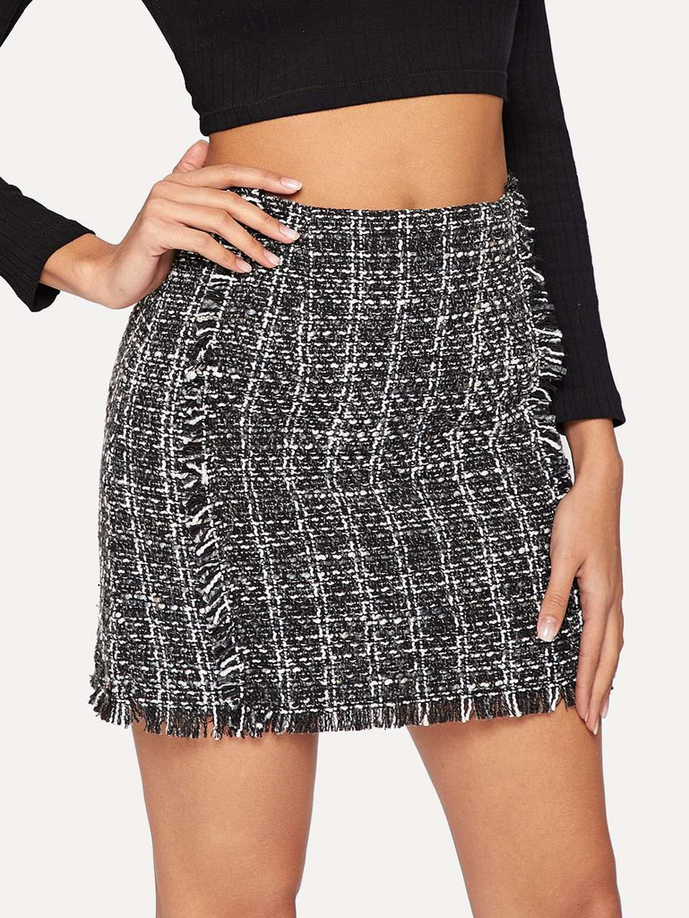 6e0cd69f3f6 Frayed Trim Plaid Tweed Skirt - Black and White Click here to enlarge