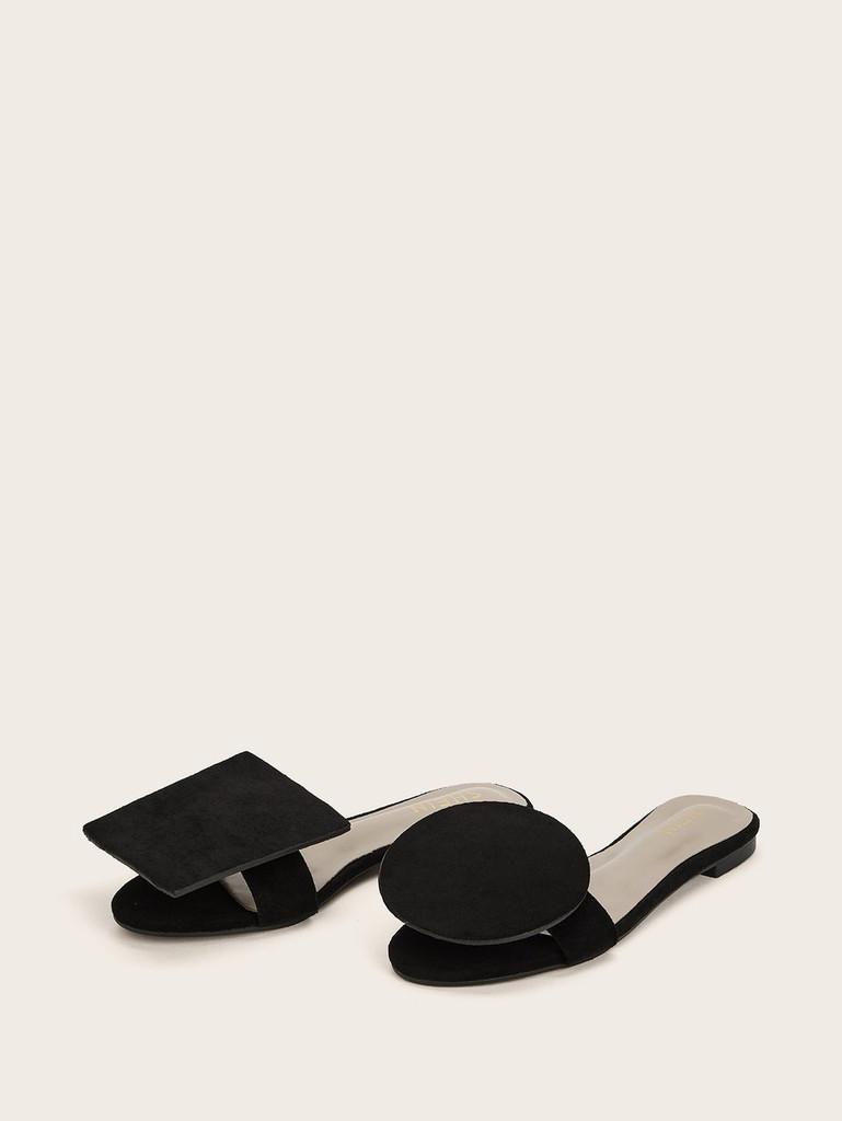 Geometric Design Mismatched Slippers