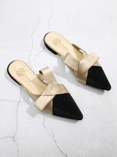 Knot Design Pointed Toe Slippers