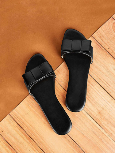 Bow Tie Decor Flat Slippers