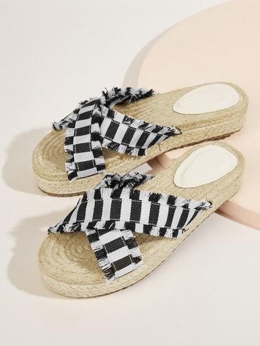 Striped Pattern Tassel Detail Flat Slippers