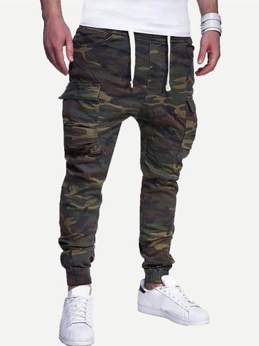Men Pocket Detail Camo Print Pants