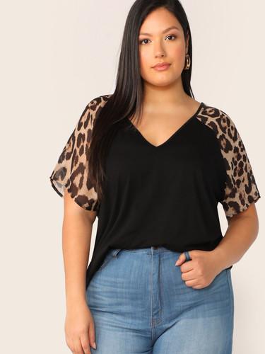 Plus V-neck Leopard Raglan Sleeve Top