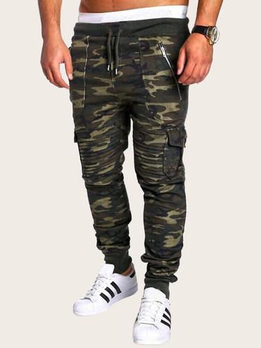 Men Contrast Binding Drawstring Waist Zip Up Pocket Camo Trousers