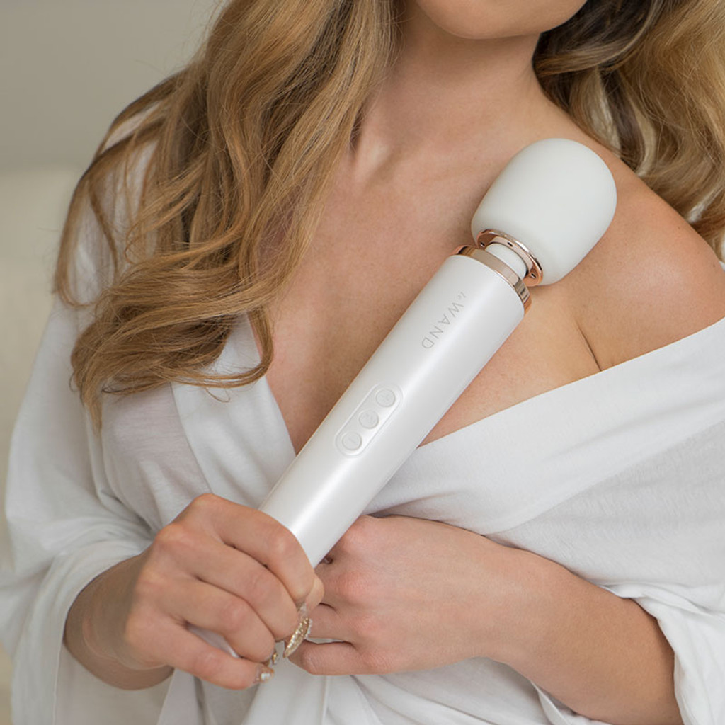 Pearl White Le Wand Rechargeable 10-Speed Wand Massager - Model 2