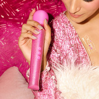 Pink Le Wand Special Edition: All That Glimmers Petite Rechargeable Wand Massager - Lifestyle #3