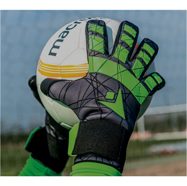 goalkeeper-gloves-new.png
