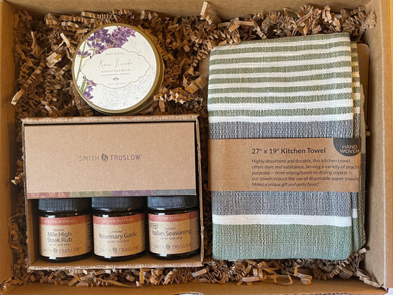 A classy housewarming, realtor closing gift or hostess gift.  Congratulate a new homeowner or thank a generous hostess with this gift box.