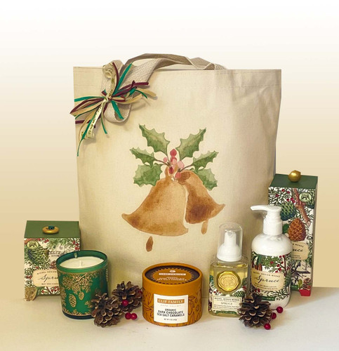 This gift set is designed to set the stage for a beautiful holiday season.  The spruce scents featured in the candle, lotion and foaming hand soap will set the perfect mood to cozy up during the holidays.