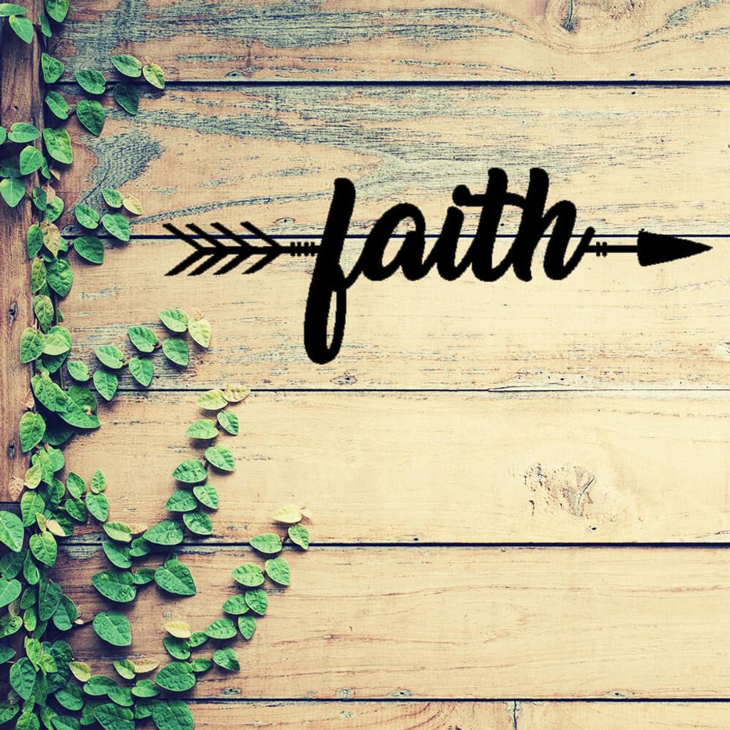 Faith Lives Here! Metal Wall Art (B56)