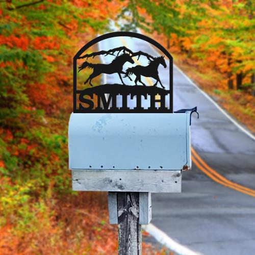 Horses Running  Mailbox Topper (D38)
