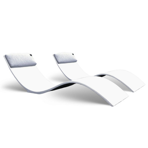 The curve chaise in White Polished Concrete