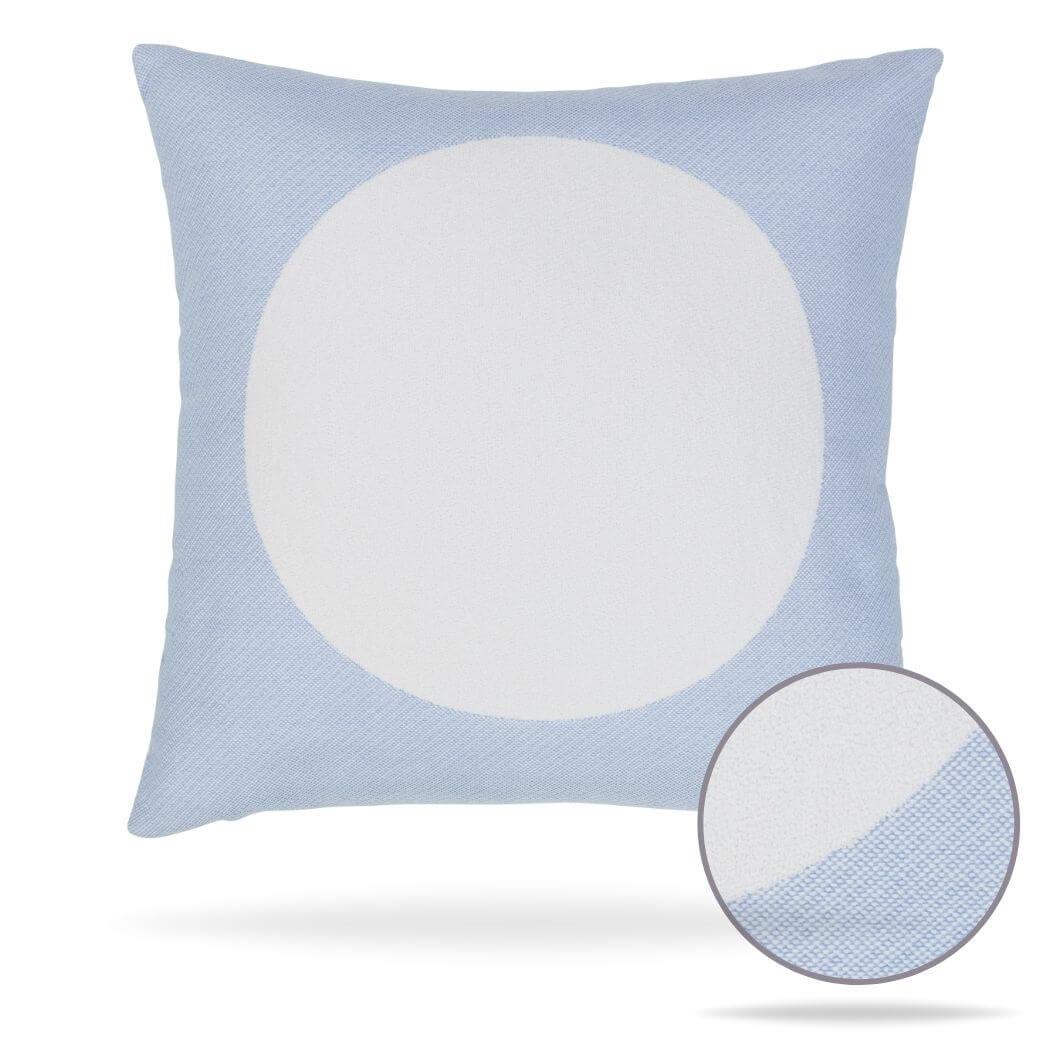 18v2-focus-sky-pillow front