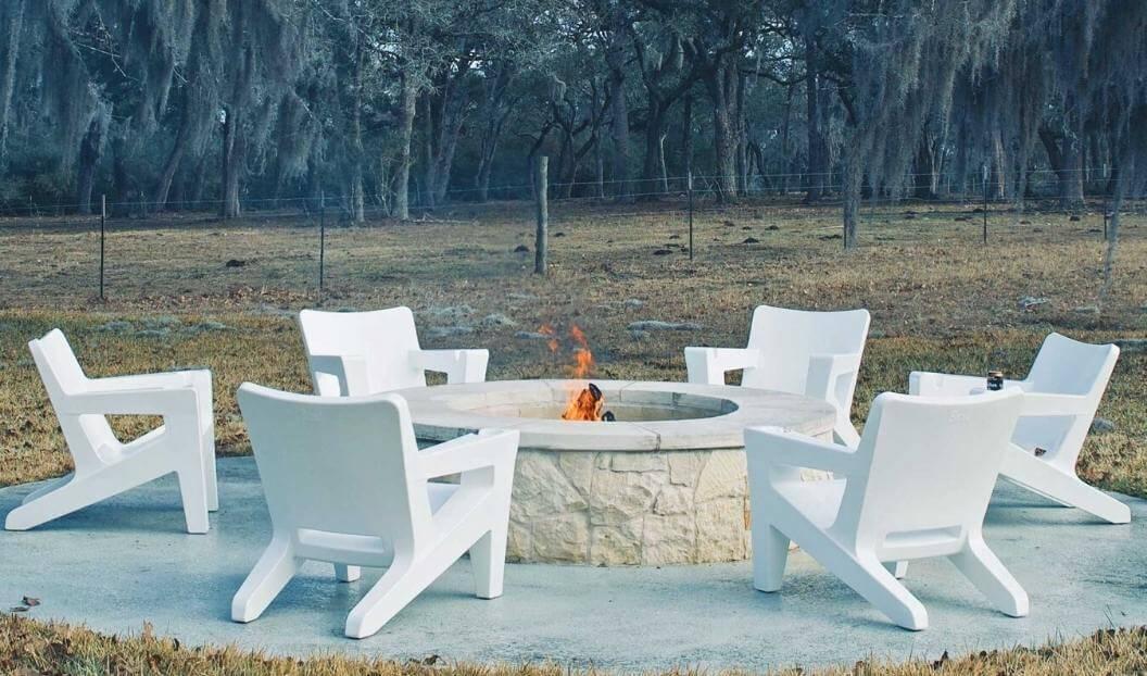 costarondack-firepit-seating
