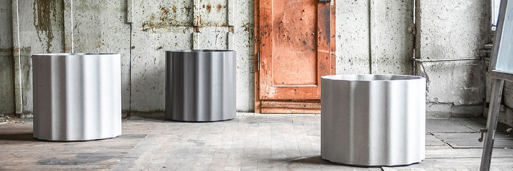 kolonna-planter-collection finishes